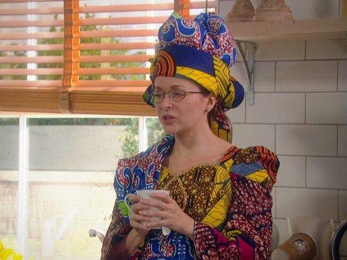 Julia Sawalha in Absolutely Fabulous (1992)