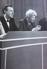 Isobel Barnett, Michael Denison, Gilbert Harding, and Barbara Kelly in What's My Line (1951)