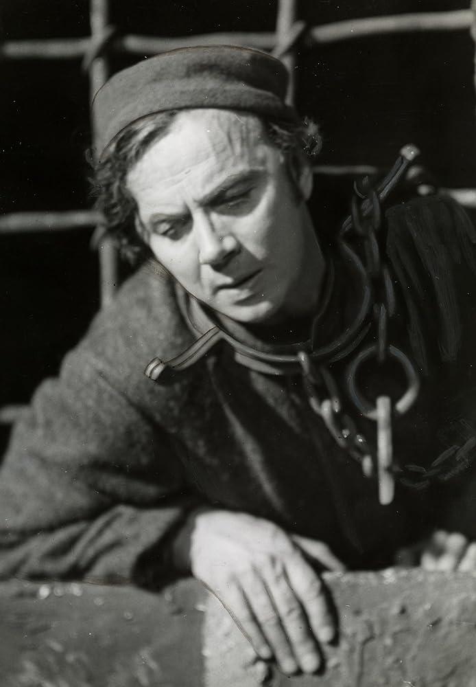 Alfred Maurstad fanitullen