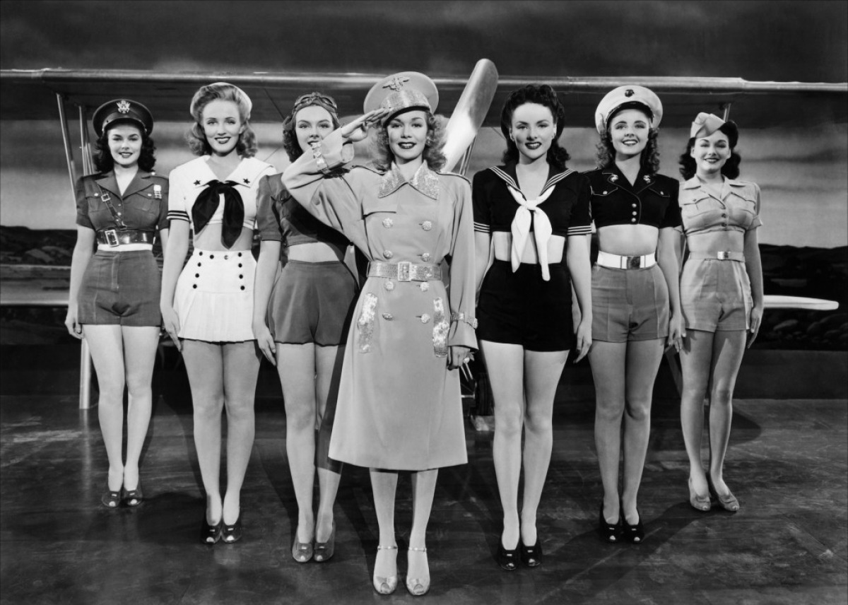 Kay Aldridge, Leslie Brooks, Georgia Carroll, Marguerite Chapman, Peggy Diggins, Alix Talton, and Jane Wyman in You're in the Army Now (1941)