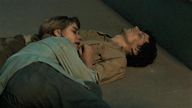 Jesse Eisenberg and Imogen Poots in Vivarium (2019)