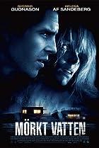 Mörkt vatten (2012) Poster