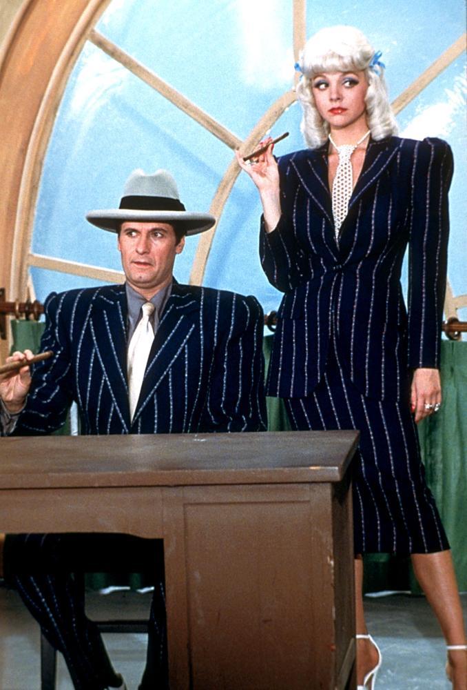 Joseph Bologna and Teresa Ganzel in My Favorite Year (1982)