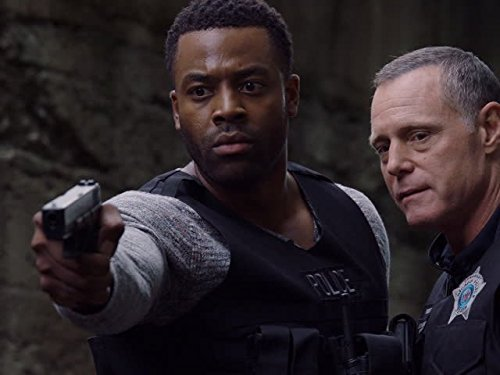 Jason Beghe and LaRoyce Hawkins in Chicago P.D. (2014)