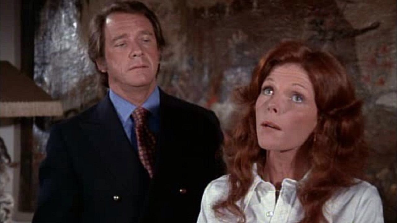 Richard Crenna and Samantha Eggar in Double Indemnity (1973)