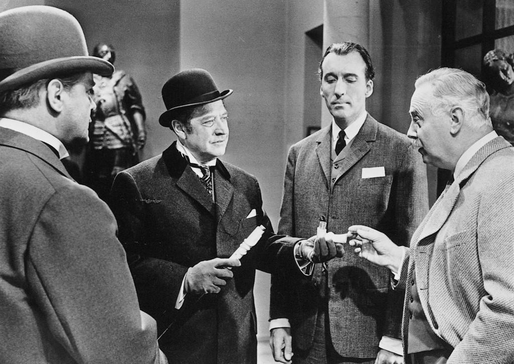 Christopher Lee, Hans Nielsen, Hans Söhnker, and Thorley Walters in Sherlock Holmes und das Halsband des Todes (1962)