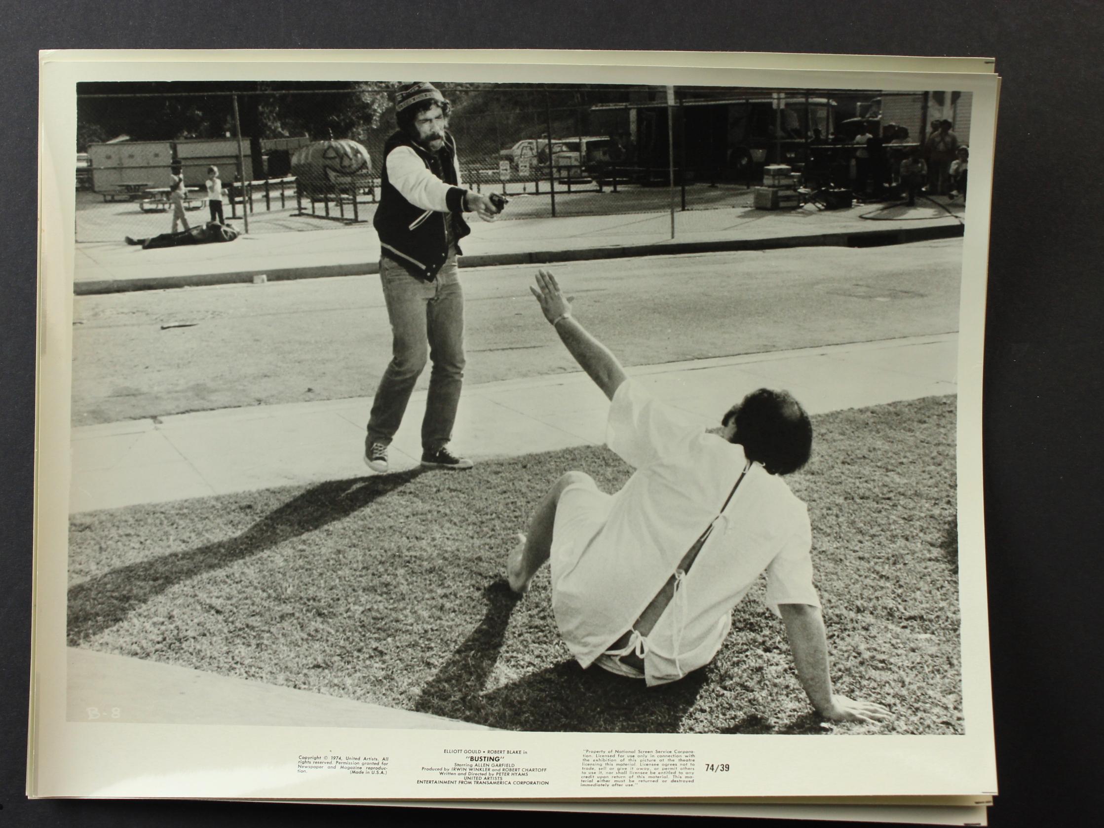 Elliott Gould in Busting (1974)