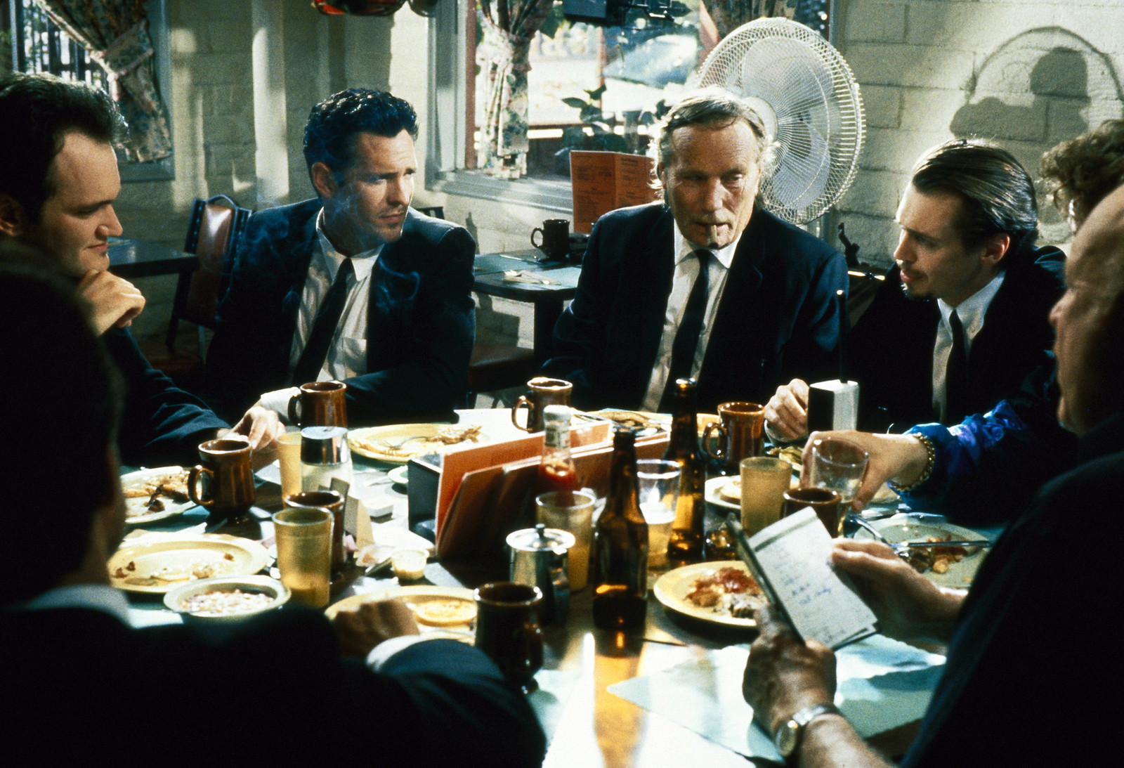 Steve Buscemi, Quentin Tarantino, Michael Madsen, Edward Bunker, and Lawrence Tierney in Reservoir Dogs (1992)