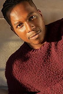 Leslie Odom Jr. Picture
