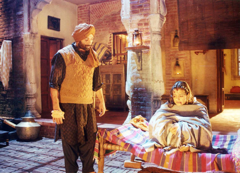 Sunny Deol and Ameesha Patel in Gadar: Ek Prem Katha (2001)