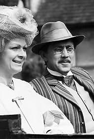 Jana Hlavácová and Petr Kostka in Tri spory (1981)