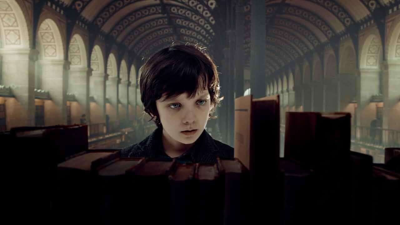 Asa Butterfield In Hugo (2011)