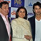 Rishi Kapoor, Neetu Singh, and Ranbir Kapoor at an event for Do Dooni Chaar (2010)