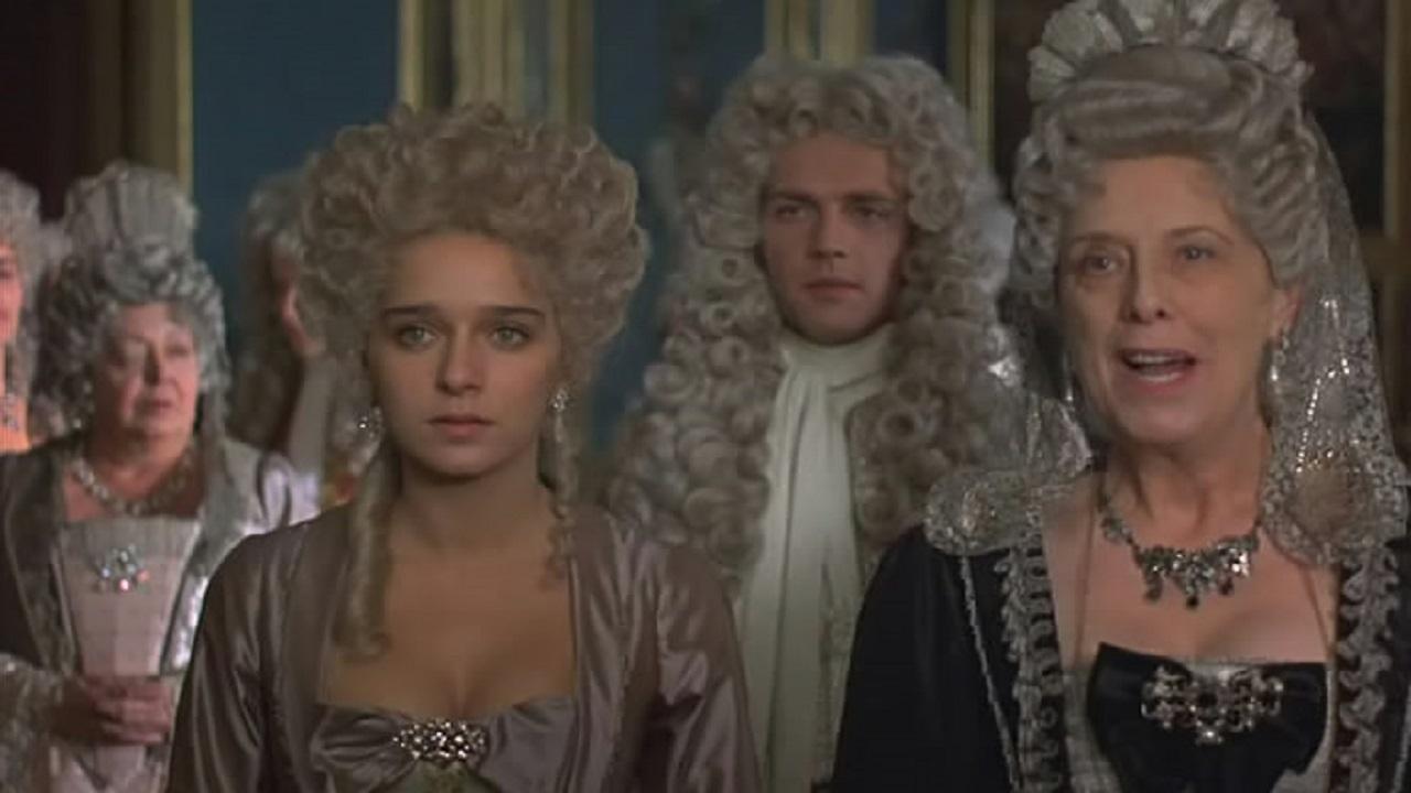 Valeria Golino, Stéphane Freiss, and Margaret Tyzack in La putain du roi (1990)