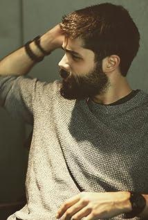 Genco Ozak Picture