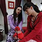 Melisa Sözen and Aslihan Gürbüz in Bir bulut olsam (2009)