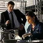 David Boreanaz and Emily Deschanel in Bones (2005)