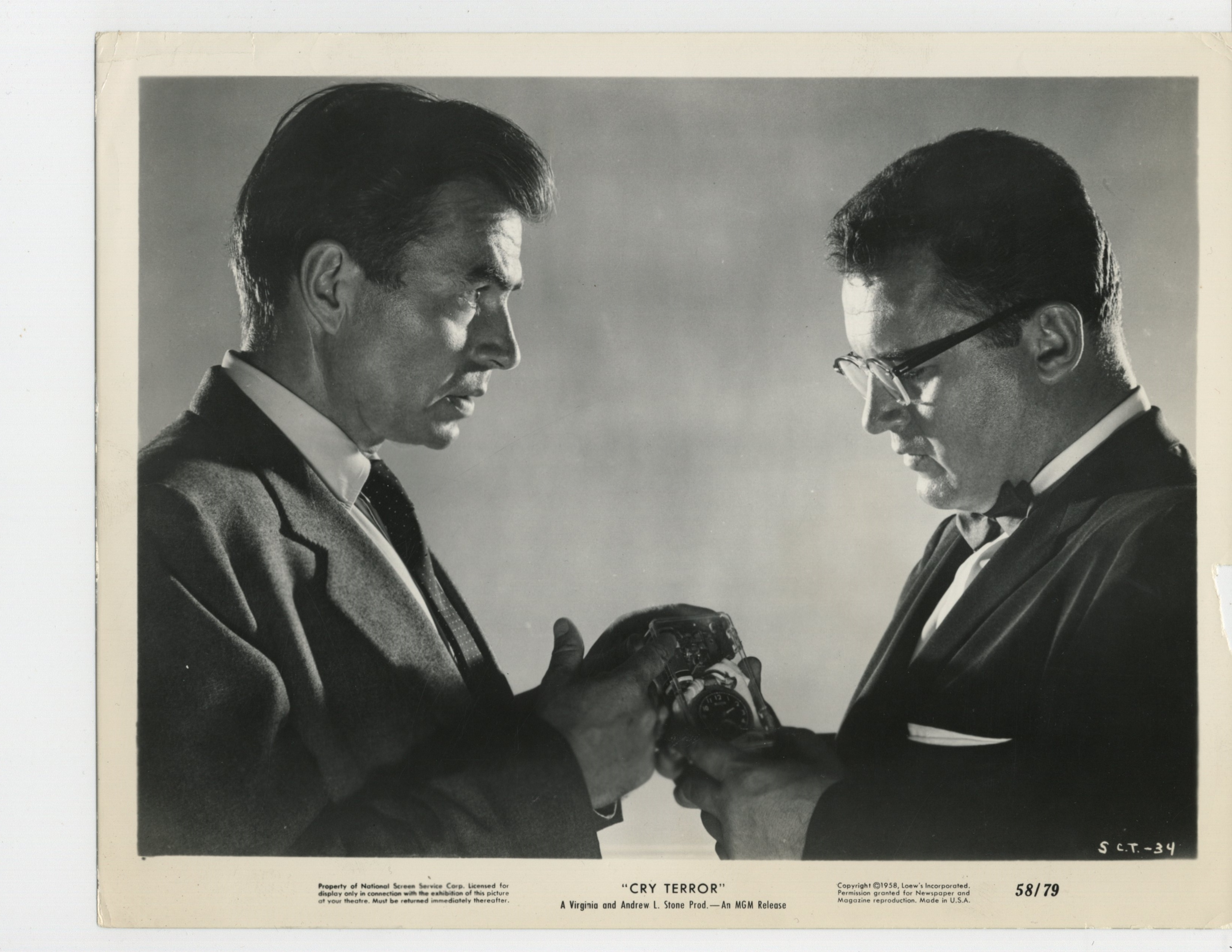 James Mason and Rod Steiger in Cry Terror! (1958)