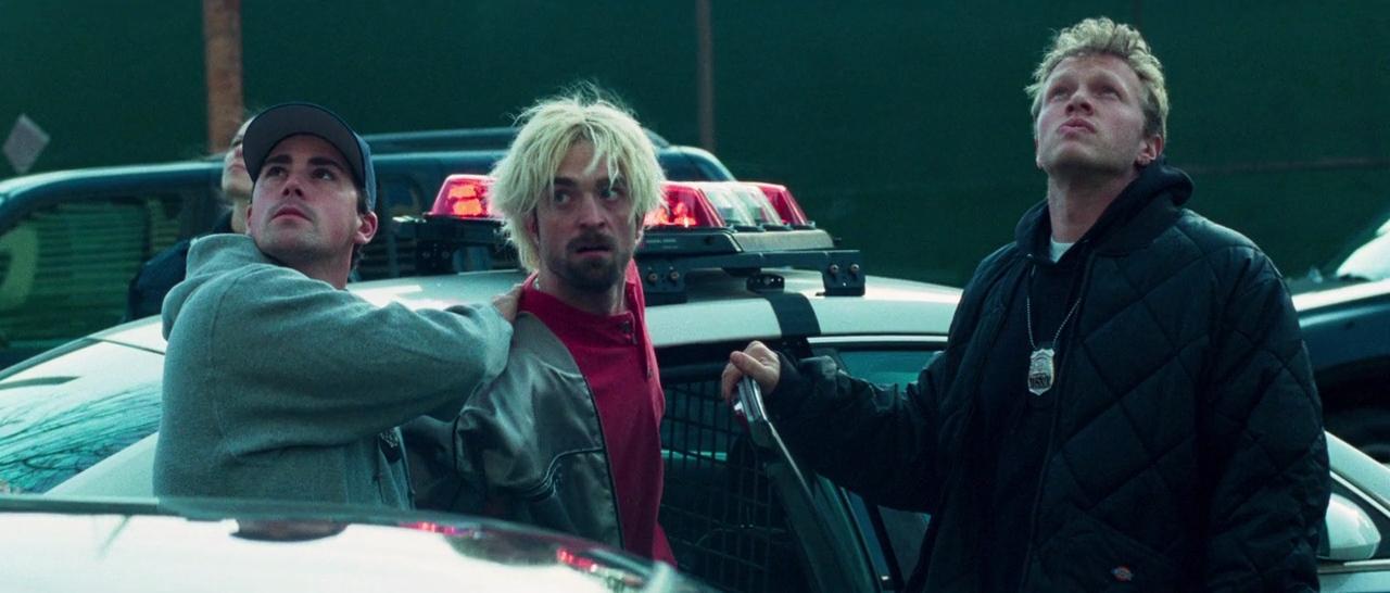 Robert Pattinson, Sebastian Bear-McClard, and Marcos A. Gonzalez in Good Time (2017)