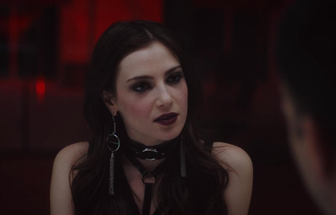 Zoe Levin in Bonding (2018)