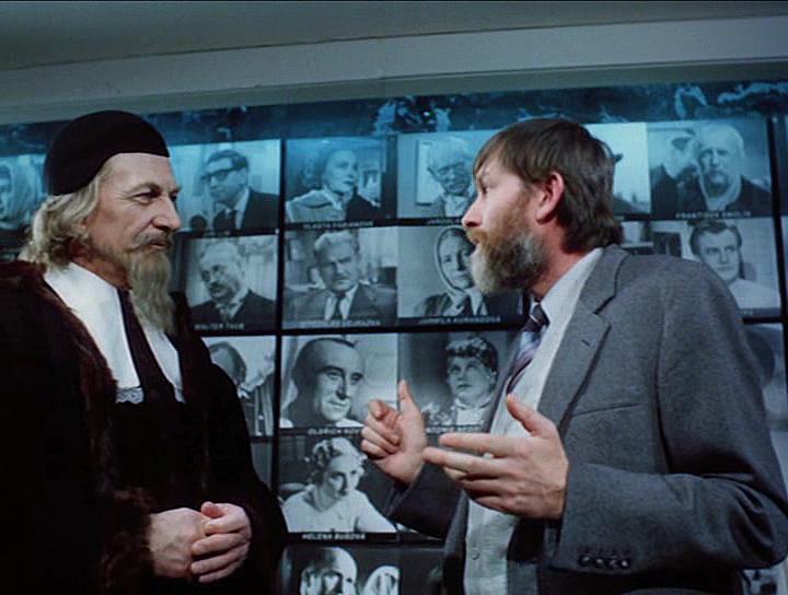 Ladislav Chudík and Jan Schmid in Velká filmová loupez (1986)
