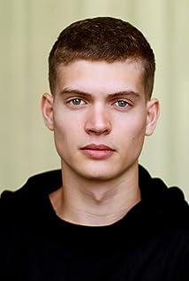 Josha Stradowski Picture