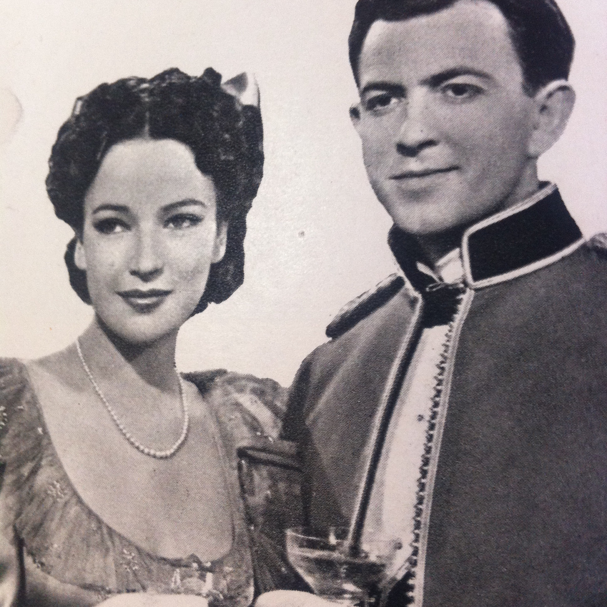 John Clements and June Duprez in The Four Feathers (1939)