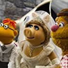 David Rudman, Eric Jacobson, Miss Piggy, and Fozzie Bear in Muppets Most Wanted (2014)