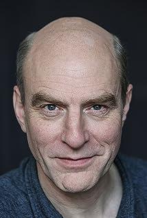 Simon Kunz Picture