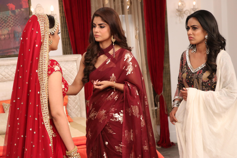 Jasmin Bhasin, Sayantani Ghosh, and Nia Sharma in Episode #4.13 (2020)