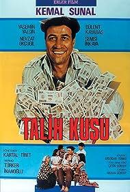 Kemal Sunal and Yasemin Yalçin in Talih Kusu (1989)