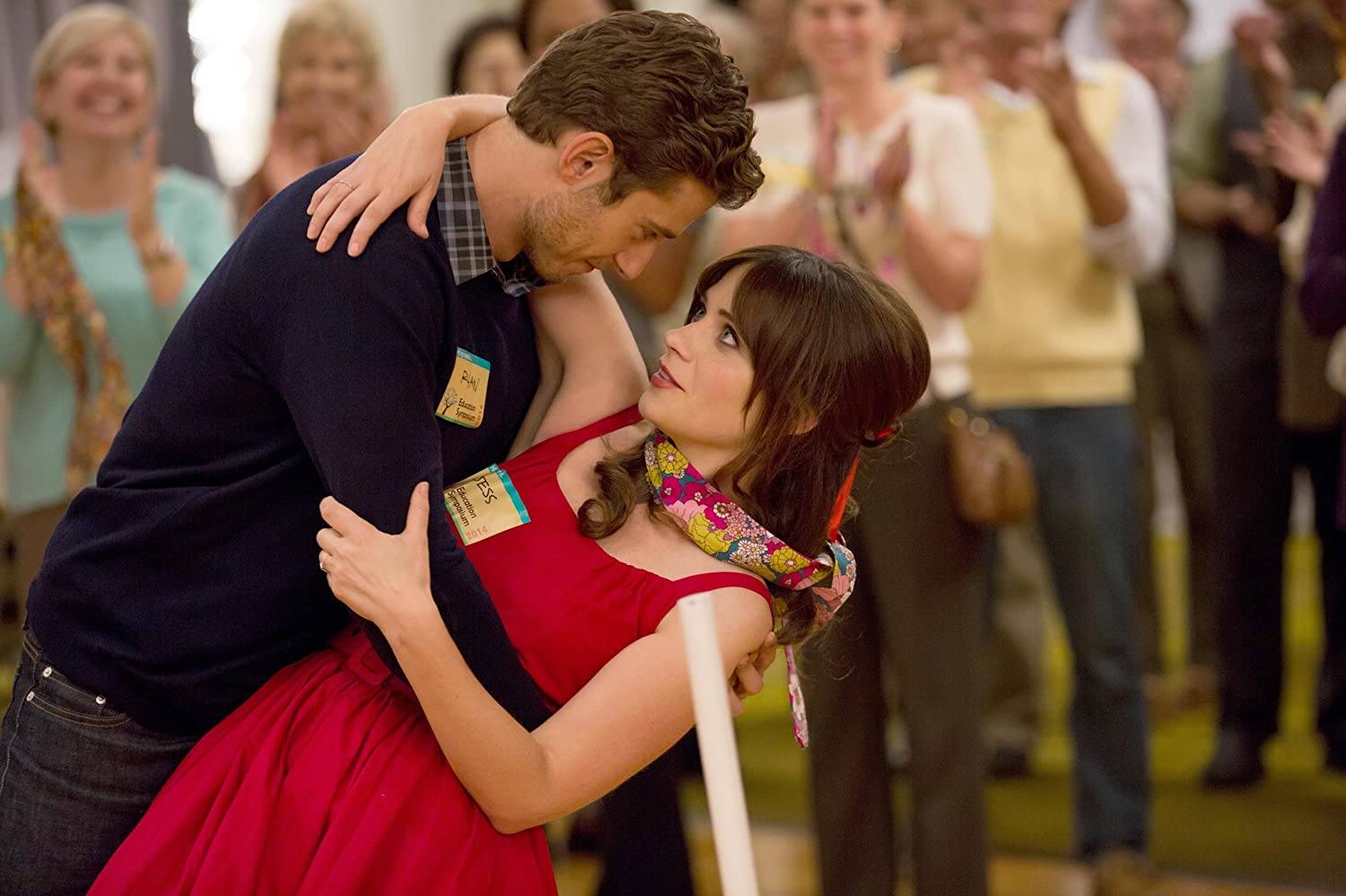 Zooey Deschanel and Julian Morris in New Girl (2011)