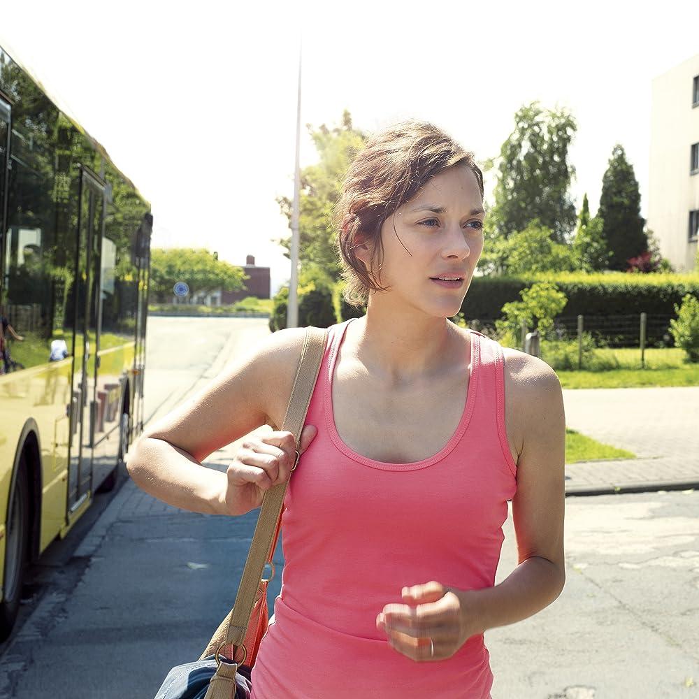 Marion Cotillard in Deux jours, une nuit (2014)