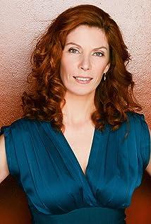 Stephanie Jones Picture