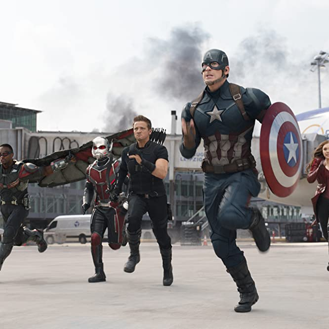 Chris Evans, Elizabeth Olsen, Jeremy Renner, Paul Rudd, Anthony Mackie, and Sebastian Stan in Capitão América: Guerra Civil (2016)
