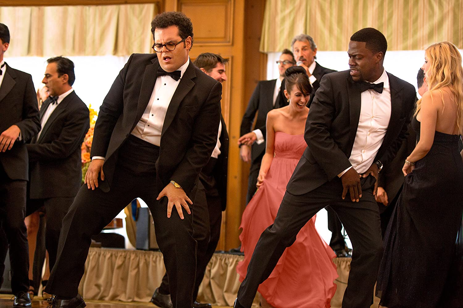 Kevin Hart and Josh Gad in The Wedding Ringer (2015)