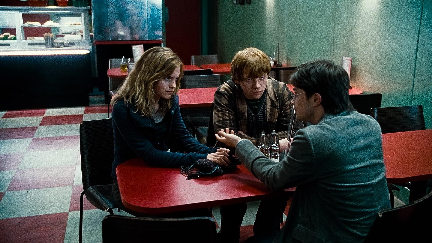 Er zit niet zoveel actie in Harry Potter and the Deathly Hallows Part 1' toch is het een aanrader om te gaan kijken