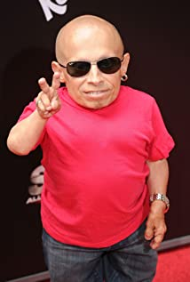 Verne Troyer Picture
