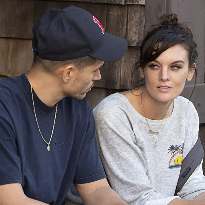 Frankie Shaw and Miguel Gomez in SMILF (2017)
