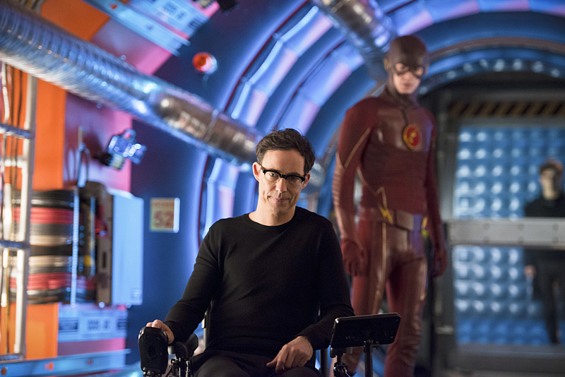 Tom Cavanagh and Grant Gustin in The Flash (2014)