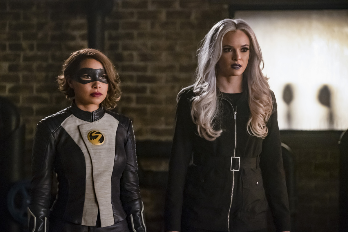 Danielle Panabaker and Jessica Parker Kennedy in The Flash (2014)
