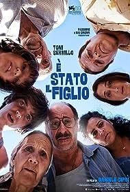 Aurora Quattrocchi, Benedetto Raneli, Toni Servillo, Giselda Volodi, Fabrizio Falco, and Alessia Zammitti in È stato il figlio (2012)