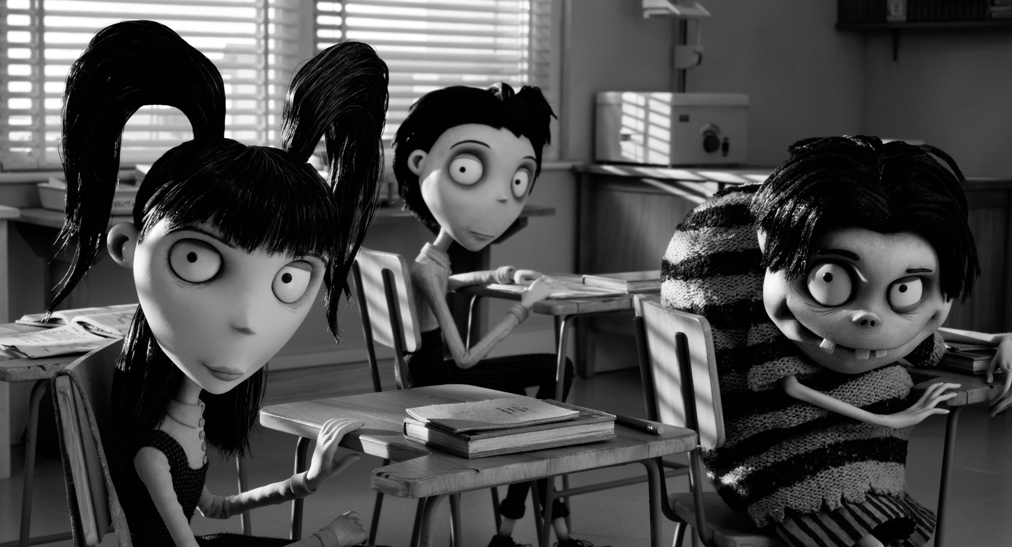 Winona Ryder, Charlie Tahan, and Atticus Shaffer in Frankenweenie (2012)