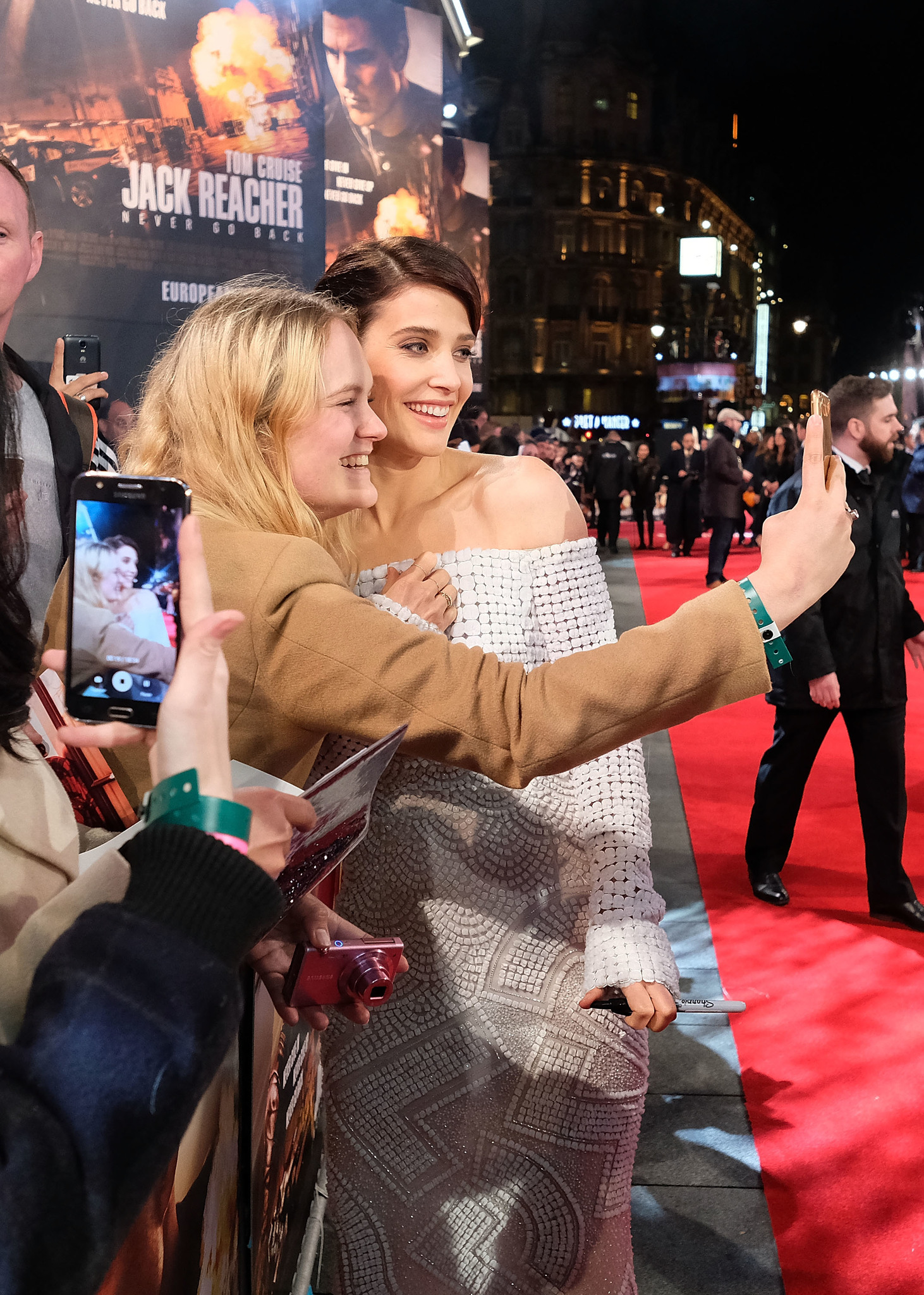 Cobie Smulders at an event for Jack Reacher: Never Go Back (2016)