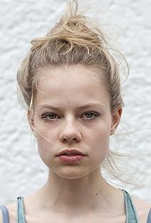 Emma Bading Picture