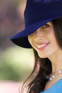 Tasia Valenza