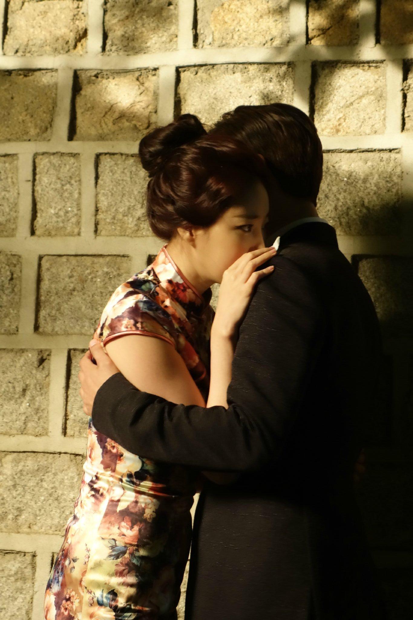 Jin-mo Ju and Sa-rang Kim in Sa-rang-ha-neun eun-dong-ah (2015)