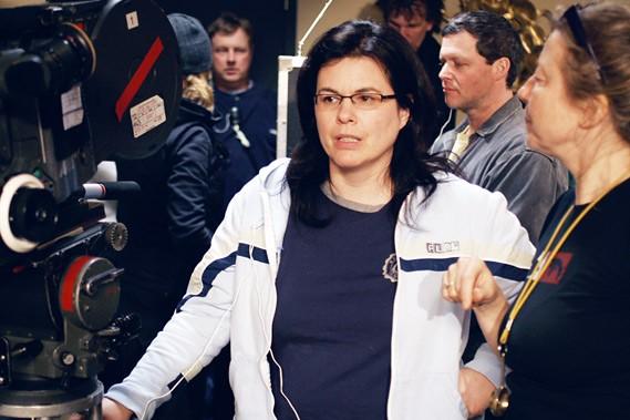 Guylaine Dionne in Serveuses demandées (2008)