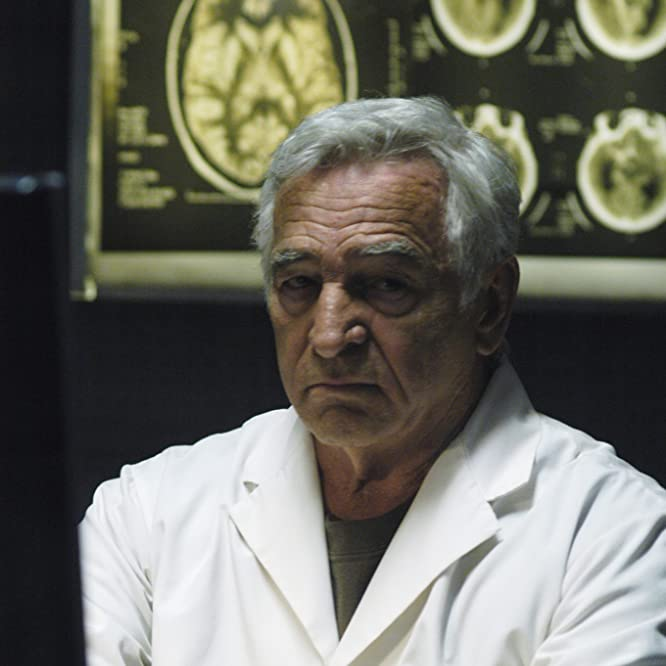 Donnelly Rhodes in Battlestar Galactica (2004)