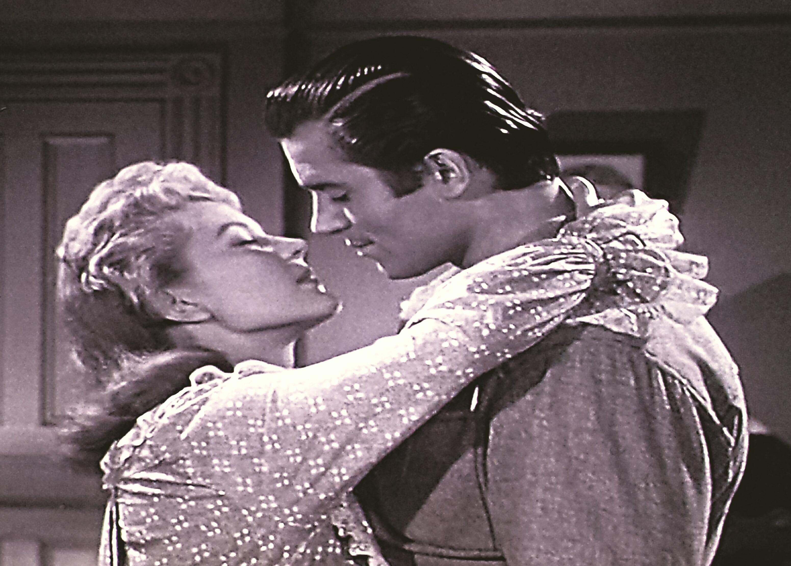 Peggie Castle and Clint Walker in Cheyenne (1955)